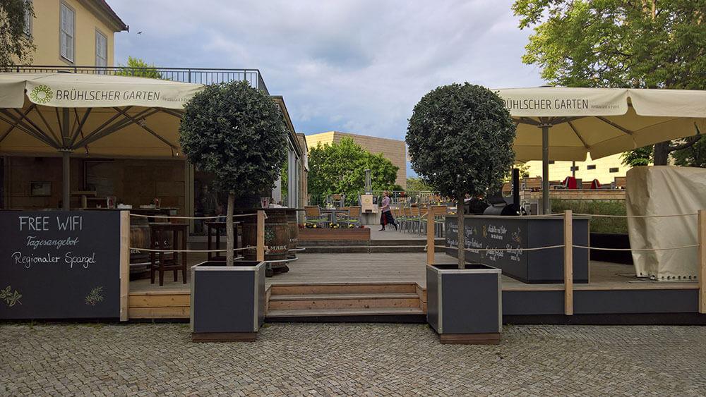 Biergarten und Restaurant an der Elbe